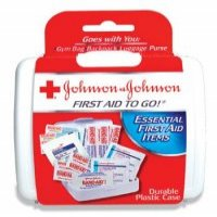 johnsonjohnson-mini-first-aid-kit-first-aid-to-go_1002_image