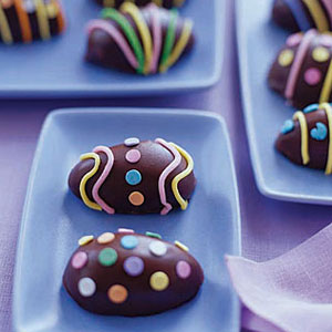 Chocolate-Covered-Candy-Eggs-de