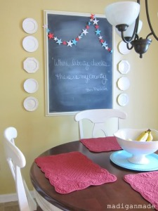 fourth-of-july-star-garland-chalkboard